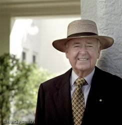 Sir William Deane - 2001 - LNA024