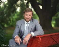 Hon Gareth Evans - LNA026