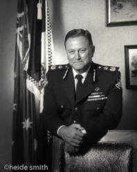Maj Gen Ronald Gray - LNA036