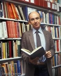 Dr Peter Wilenski - 1982 - LNA044